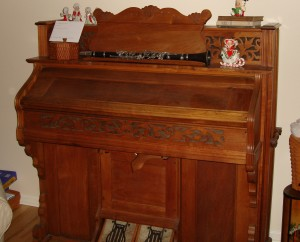 Sharb Antique Pump Organ
